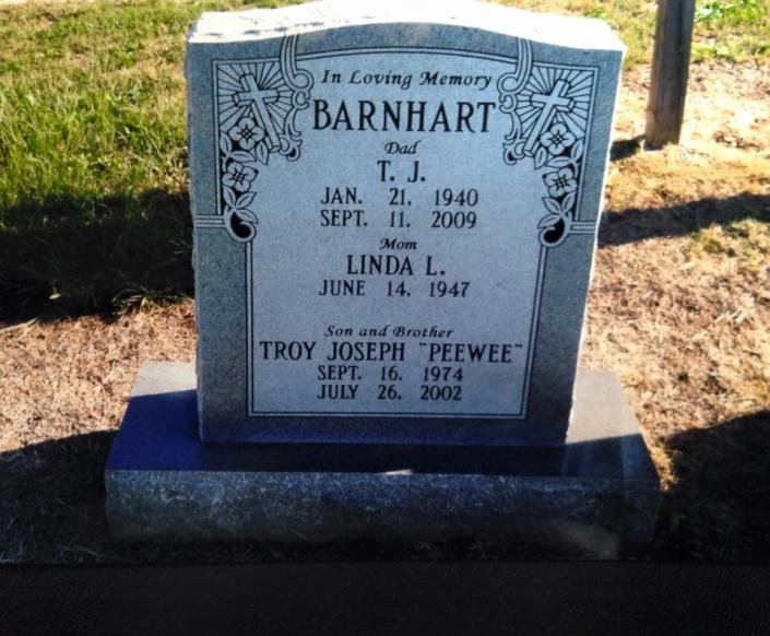 [Image: Granite Upright headstones come in many different sizes, shapes, textures, finishes and colors. They consist of sections, a top piece and a base.]